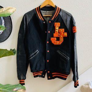 WILSON Vtg black varsity jacket pins letterman 40